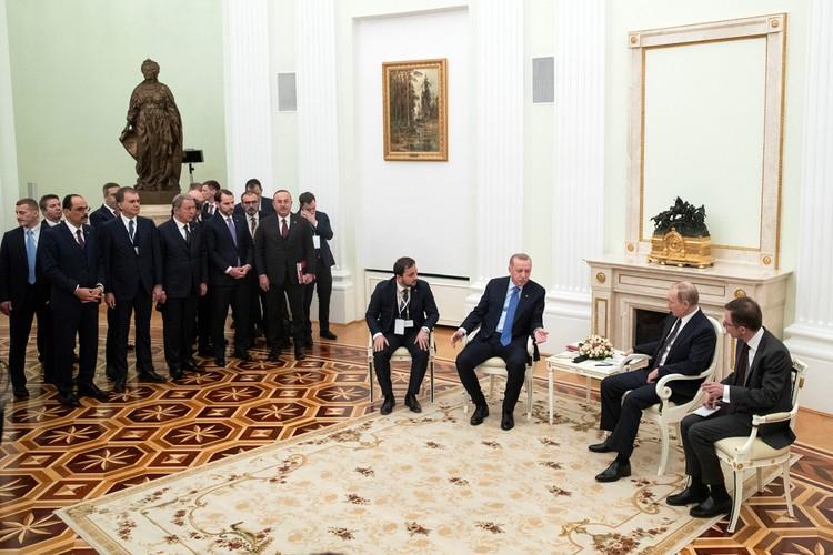 Шесть часов переговоров в Кремле прекратили военные действия в Сирии