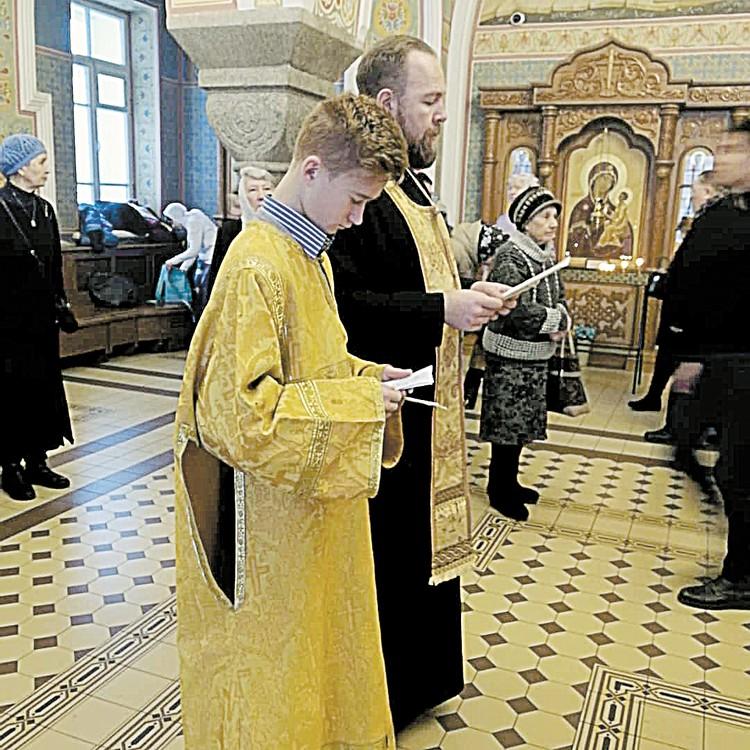 С отцом Владимиром Плехановым на службе в храме Иоанна Предтечи