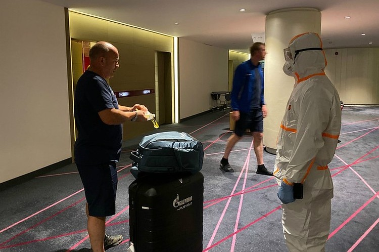 Команда находится на карантине в отеле уже 11 дней. Фото: «Газпром-РусВело»