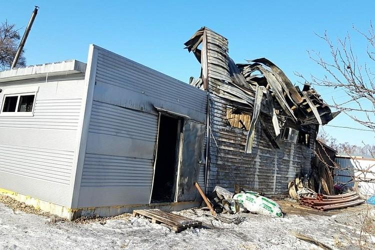 Магазин загорелся мгновенно, хозяева подозревают, что собственность специально подожгли. Фото: предоставлено пострадавшими
