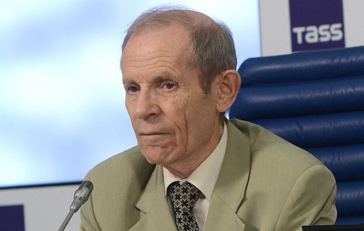 Академик РАМН, ученый-микробиолог, доктор медицинских наук Виктор Малеев. Фото: Николай Галкин/ТАСС