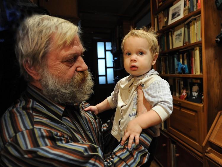 Правнук писателя и маленький Федор Достоевский Фото: предоставлено Алексеем Достоевским