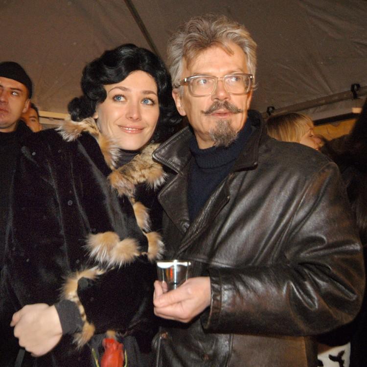Еще одна красивая женщина в жизни Лимонова — томская модель и актриса Екатерина Волкова