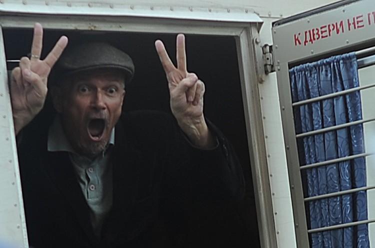 Эдуард Лимонов, задержанный сотрудниками полиции на несанкционированной акции в защиту 31-й статьи Конституции на Триумфальной площади, 2010 год. Фото ИТАР-ТАСС/ Владимир Астапкович