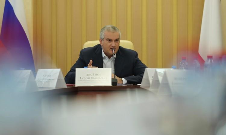 Аксенов пригрозил наказанием предпринимателям, которые вздумают спекулировать на коронавирусной панике. Фото: пресс-служба главы РК