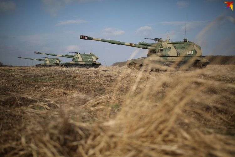 Усовершенствованная российская 152-мм дивизионная самоходная установка.