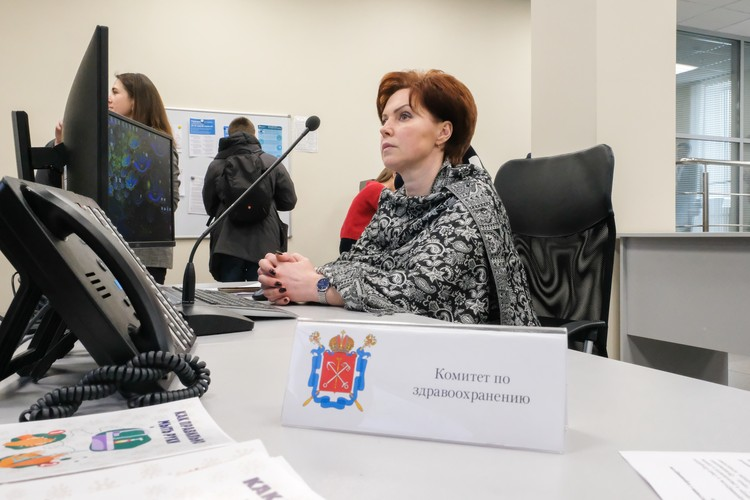 В центре работает восемь специалистов – по одному представителю от ведомства.