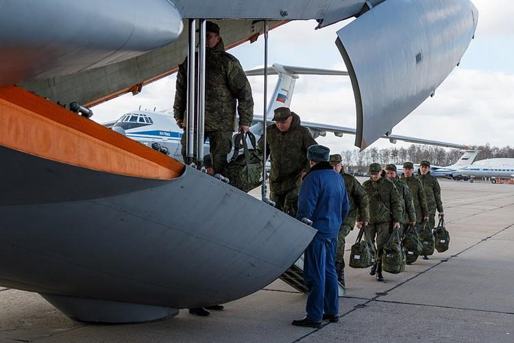 В Рим вылетела передовая группа российских военных вирусологов
