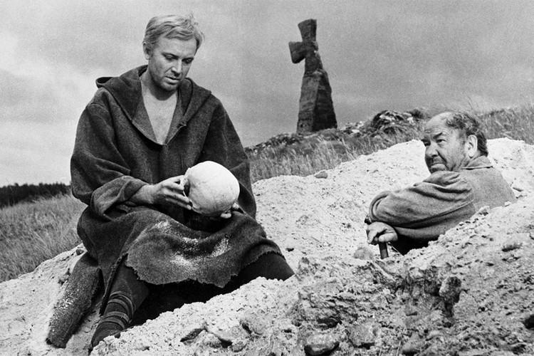 """Смоктуновский в """"Гамлете"""", 1964 год."""