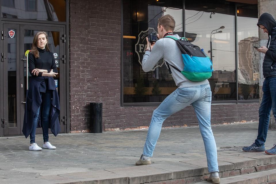 И устраивают фотосесси. Фото: Андрей АБРАМОВ