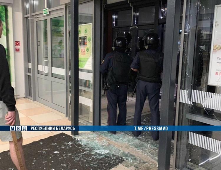 Потерпевшим по статье об угрозе милиционеру признали сотрудника Департамента охраны, который выехал на задержание хулигана. Фото: МВД