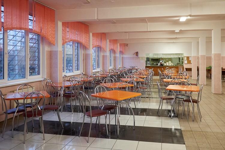 Рестораны, кафе, бары и столовые в Санкт-Петербурге будут закрыты до 5 апреля
