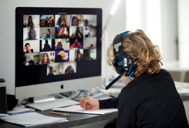 Zoom забрала у Skype большую часть рынка/