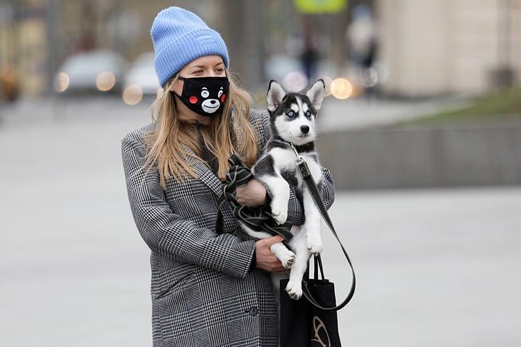 Мы все знаем, что собака обладает невероятным нюхом. Когда в организме начинаются какие-то патологические изменения, она это очень хорошо чувствует