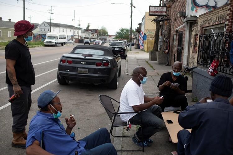 """""""Карантин"""" на улицах Нового Орлеана, преимущественно населенного чернокожими."""