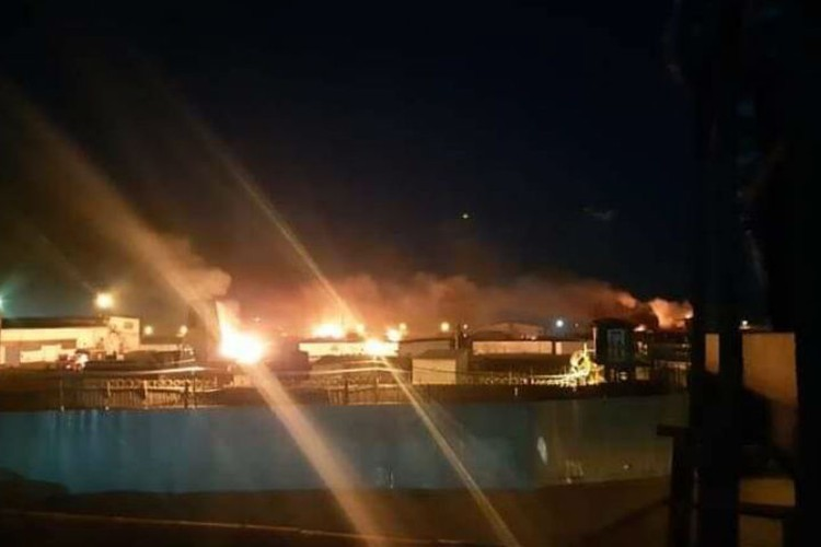 Пожар в ангарской колонии №15. Фото: очевидцы.