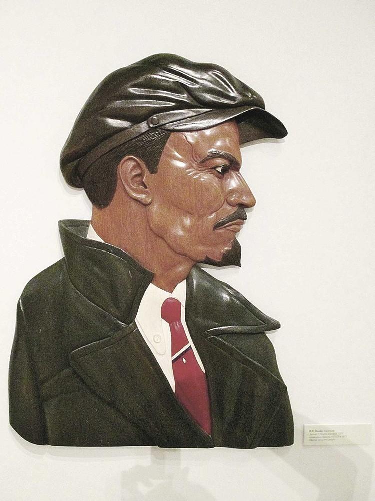 Боливийцы считали, что Ленин носил кепку так же залихватски, как Че Гевара свой берет. Фото: Личный архив.