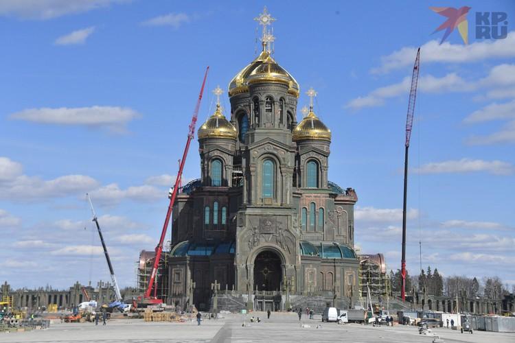 Высота звонницы храма Воскресения Христова составит 75 метров — 2020 году исполняется 75 лет со дня окончания Великой Отечественной войны.