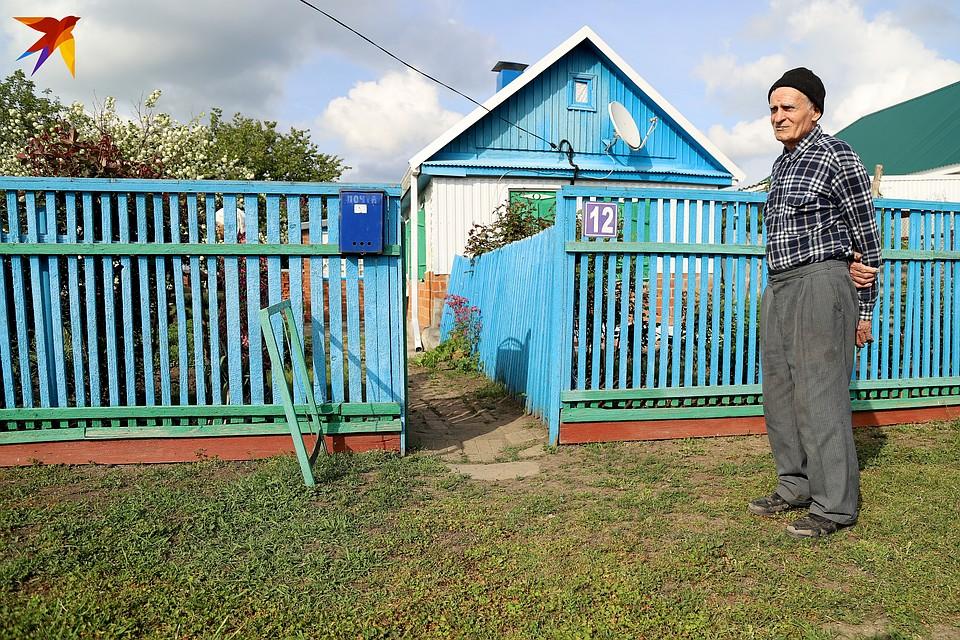 Мария Мефодьевна и Владимир Иванович живут с оглядкой на вчерашний день. Фото: Виталий КАРНАУХ