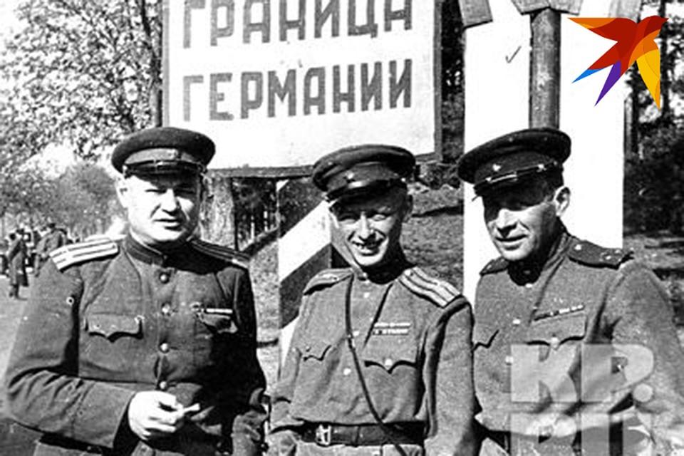 """1945 год, военкоры """"КП"""" на границе с Германией. Фото: """"КП"""" Архив"""