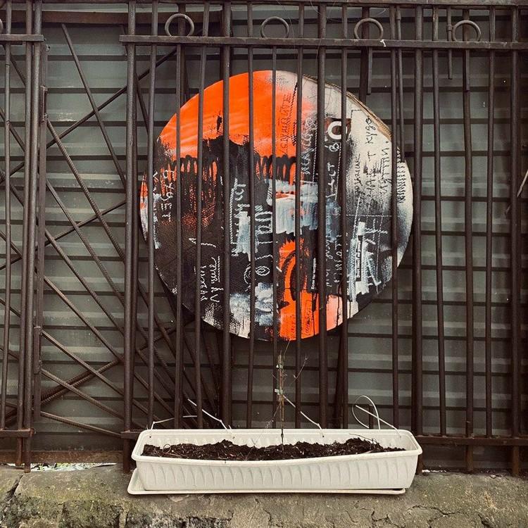 Художник немного разочарован петербуржцами. Фото: Покрас Лампас
