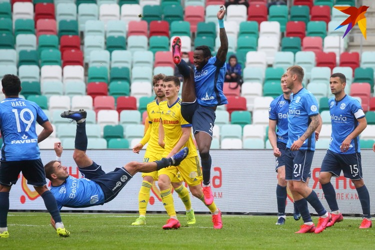 Динамовцы отбивали атаку борисовчан, отбивали, ... да не отбили.