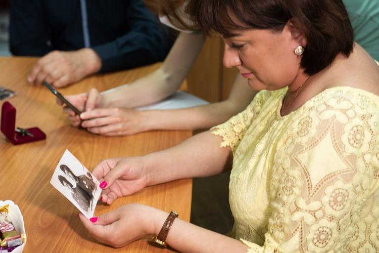 Екатерина Новоселова нашла орден, когда была маленькая. А спустя полвека впервые увидела на фото его владельца