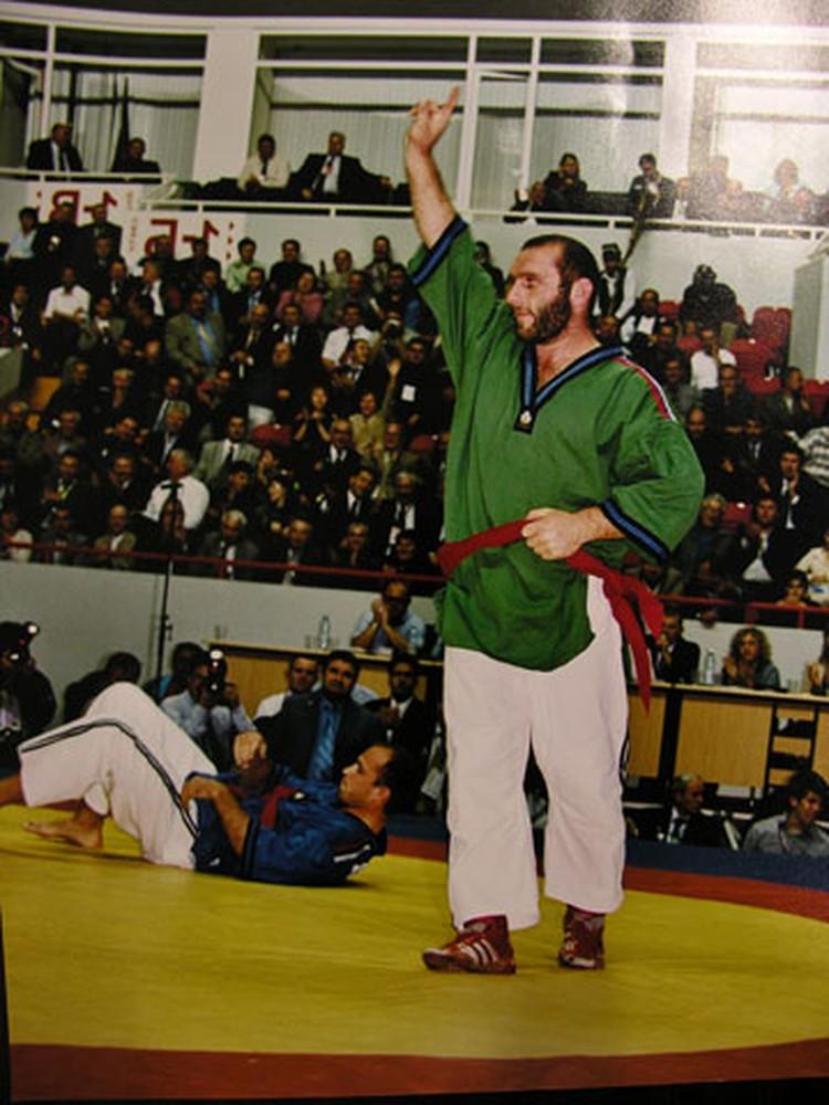 Четвертый чемпионат мира по борьбе на поясах для Рената Акбаева. 2006 год.