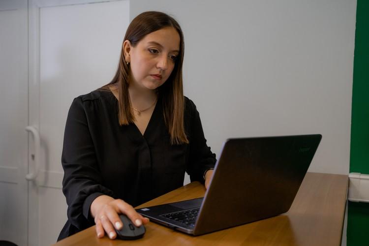 Дарья и ее коллеги трудились над программой долгое время. Фото: пресс-центр НГТУ.