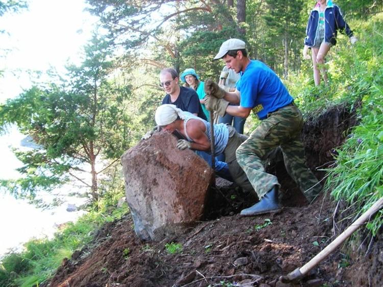 Волонтеры ББТ занимаются строительством и обустройством природных троп. Фото: предоставлено Ассоциацией ББТ.