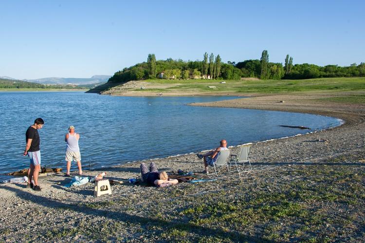 И дети, и взрослые - все любят проводить время у воды