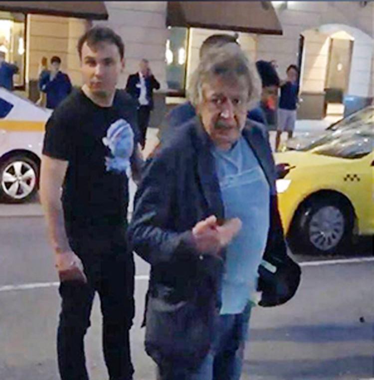 Главной темой утреннего шоу на Радио «Комсомольская правда» стала авария, виновником которой оказался Михаил Ефремов