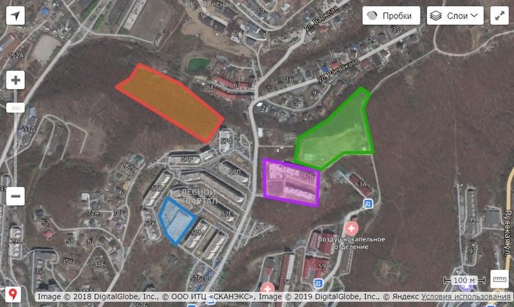 Зеленый и фиолетовый участок - недострои ЖК Life. На синем участке должен был появиться детсад, но в итоге будут дома. На красном участке хотят строить еще шесть домов
