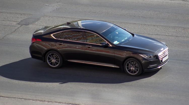 В 2017 году Сергей Гармаш сел за руль Genesis G80.