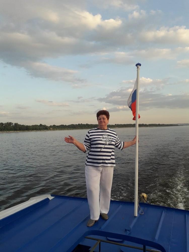 Обожала жизнь и работу - так родные Клавдии Максименко объясняют, что ей помогало работать до 70 лет. Фото: личный архив семьи.
