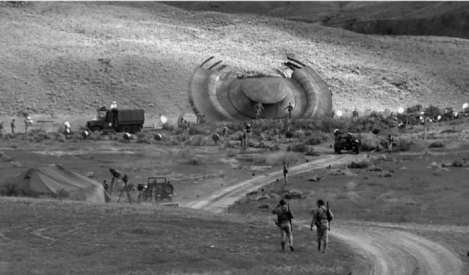 """Многие верят, что на ранчо разбилась вс-таки """"тарелку"""" с инопланетянами."""
