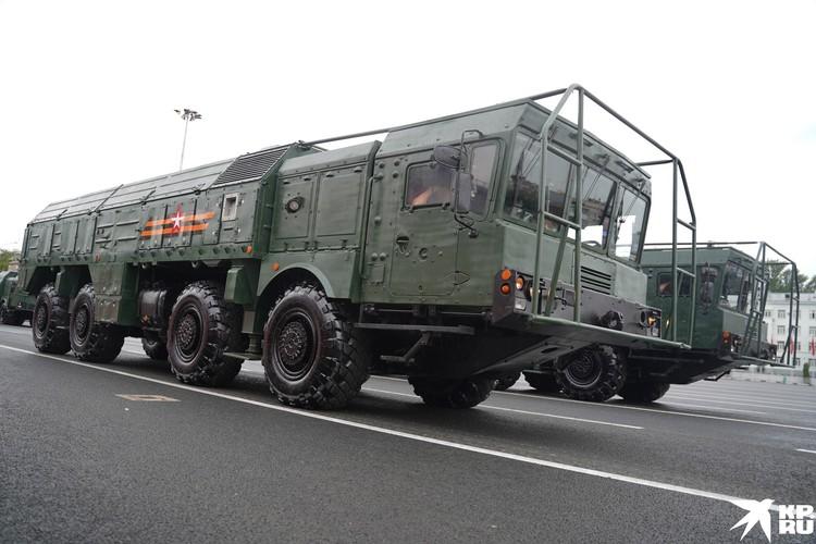 Оперативно-тактический ракетный комплекс Искандер