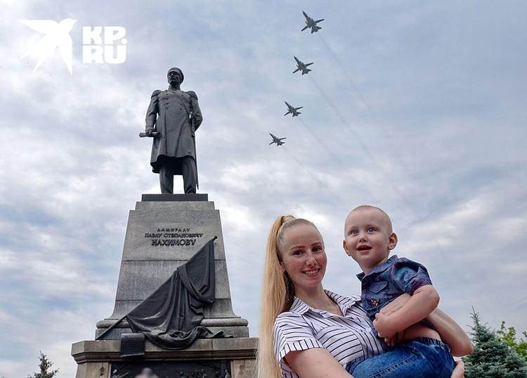 Воздушный парад в Севастополе