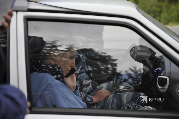 После полиции на территорию Среднеуральского женского монастыря приехали следователи