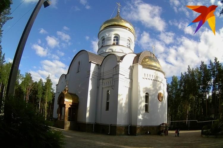 Часовня на территории Среднеуральского женского монастыря.