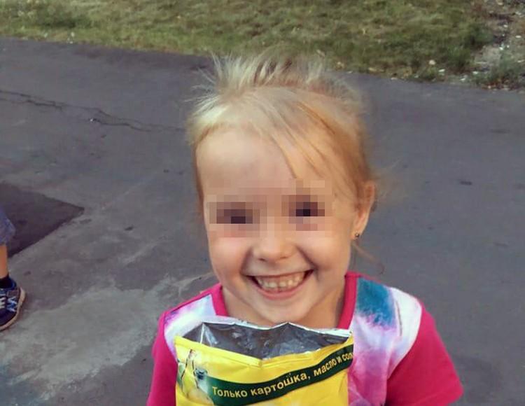 Уже двое суток 7-летняя Ева находится в детской больнице