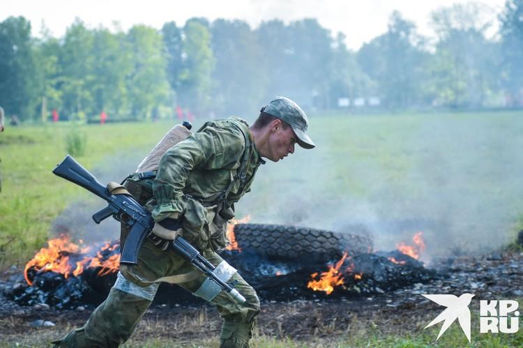 В соревнованиях принимают участие 150 военнослужащих со всей России.
