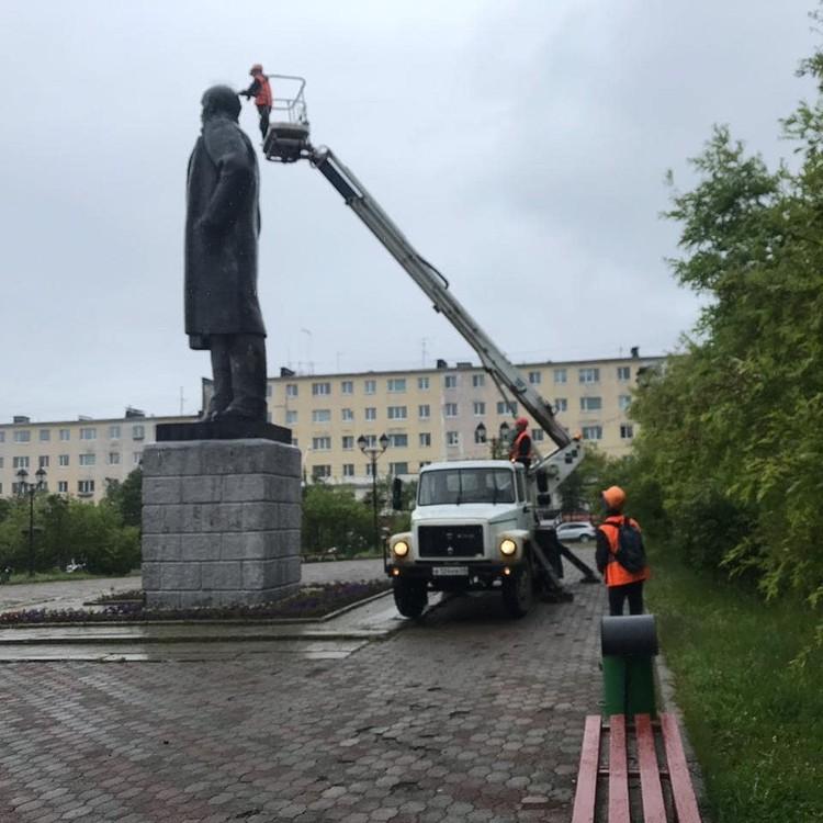 Все иглы с памятника были сняты. Фото: администрация Магадана.