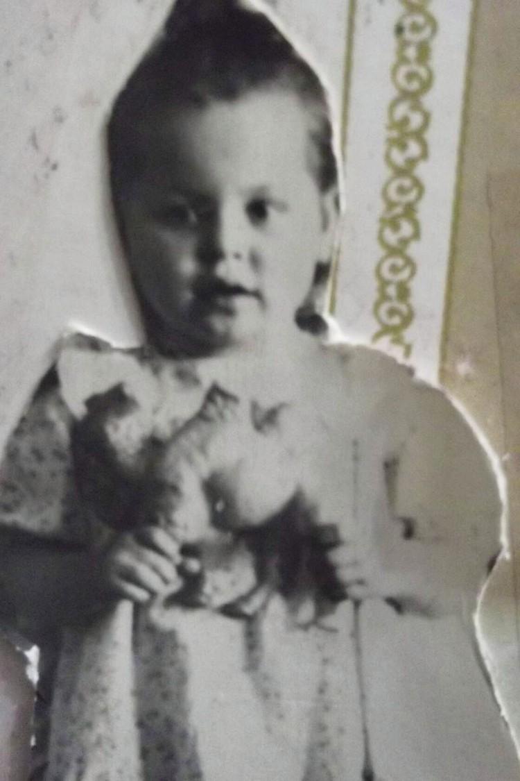 Сибирячка сама жила в детском доме. Фото: личный архив героя.