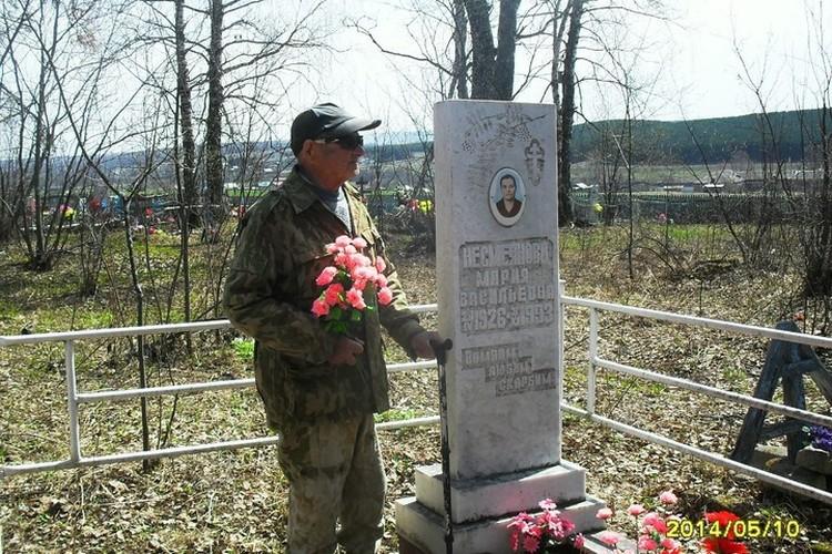 Иван Несмеянов часто приходил на могилку жены, которая умерла в 1997 году