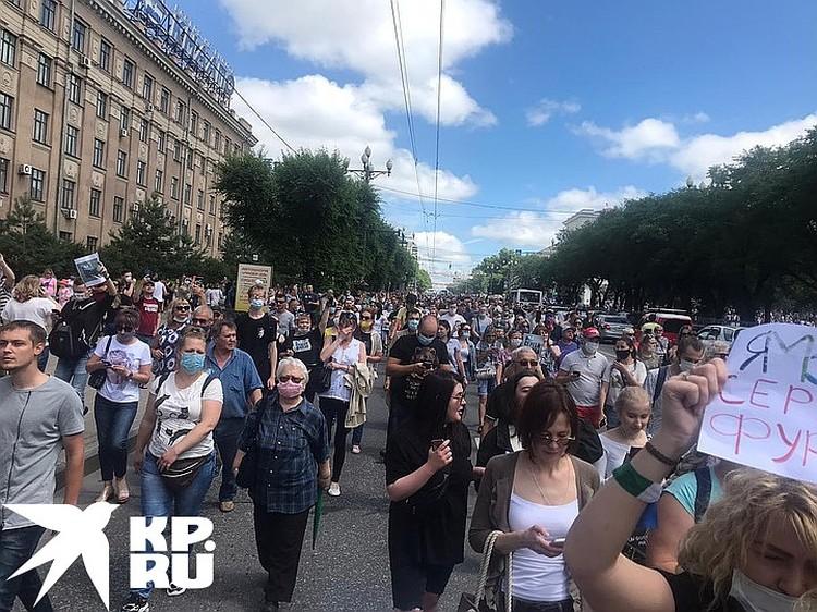 Еще сутки назад, казалось, город смирится с арестом своего популярного губернатора Сергея Фургала