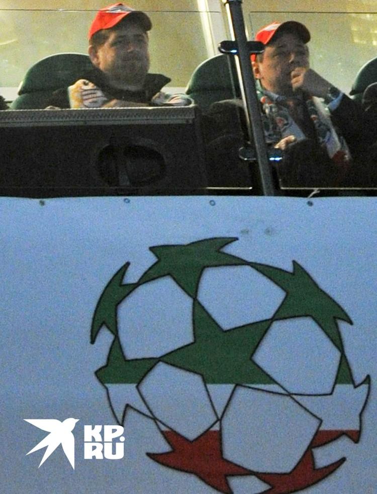 Говорят, у главы Чеченской республики в ложе на футбольном стадионе есть специальный микрофон