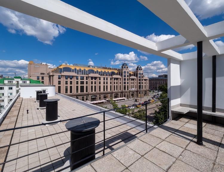 На крыше - фитнес и солнечные ванны. Фото: пресс-служба мэра и правительства Москвы/Денис Гришкин