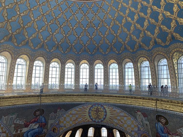 Под куполом Морского собора.