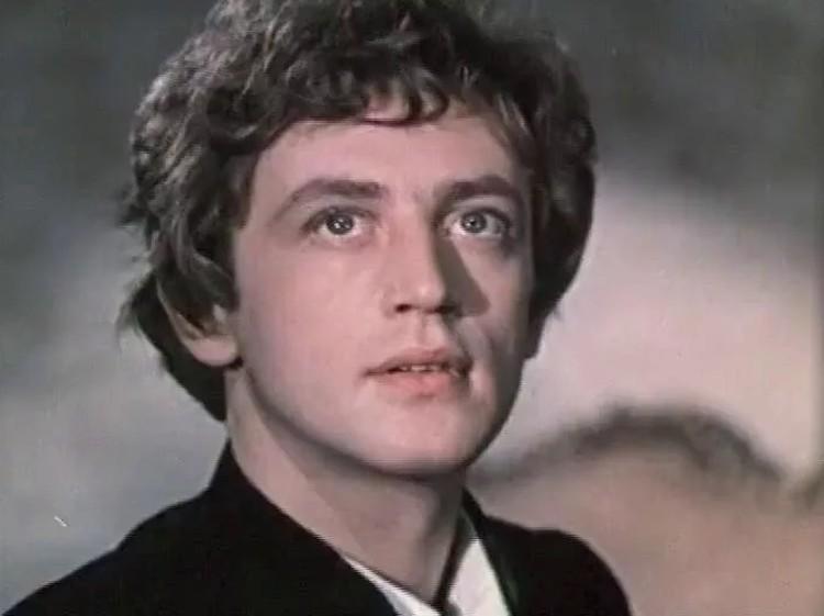 В фильме «Слепой музыкант» молодой актер сыграл незрячего юношу.